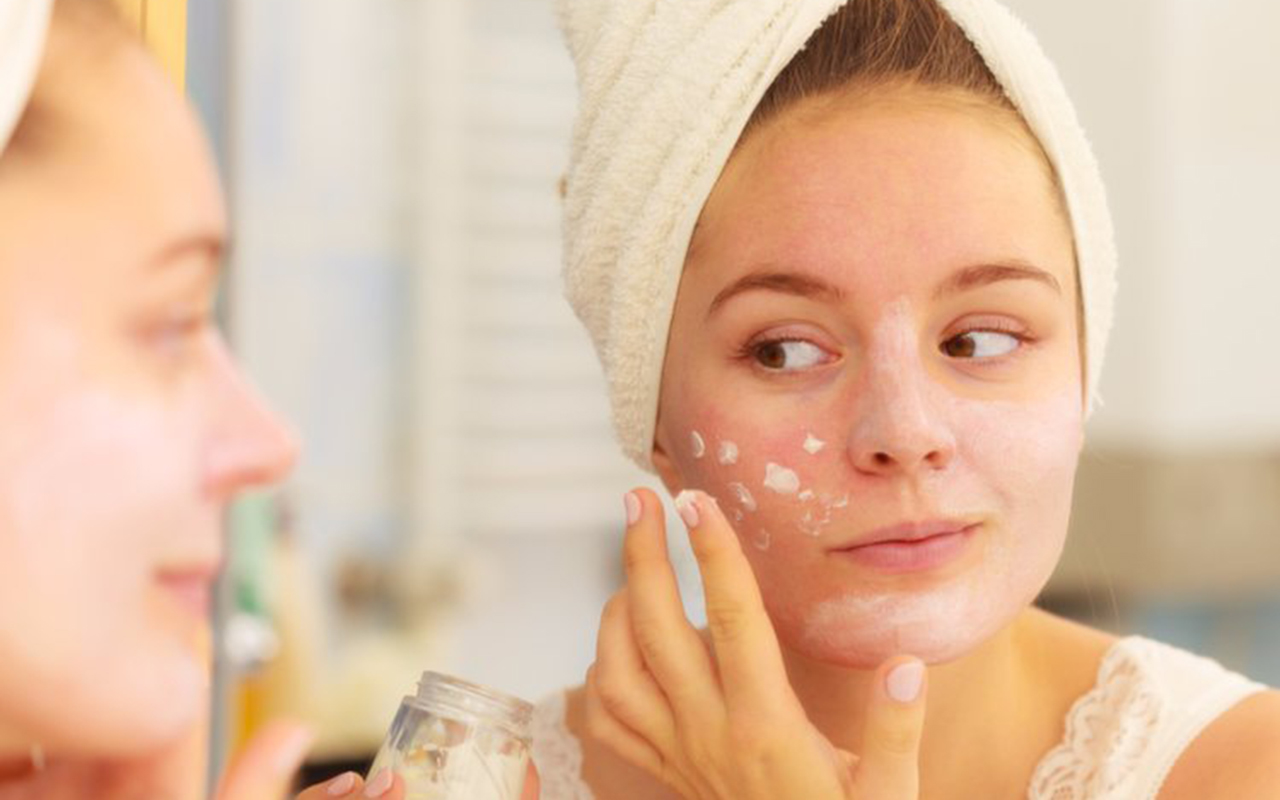acne scars Mistakes In Acne Scars and Their Removal acne scar 3