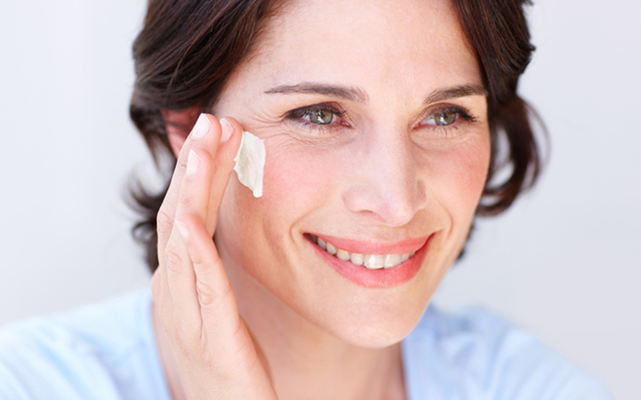 dry skin The Best Nighttime Moisturizer For Dry Skin dry skin 2