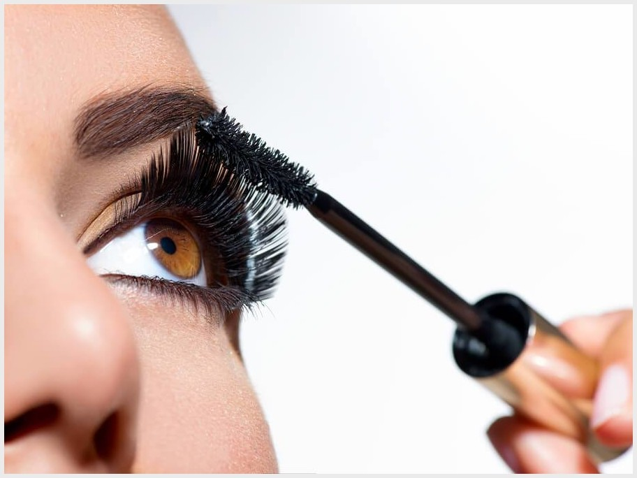 How to Make Eye Makeup for Green Eyes | Nifty Beauty