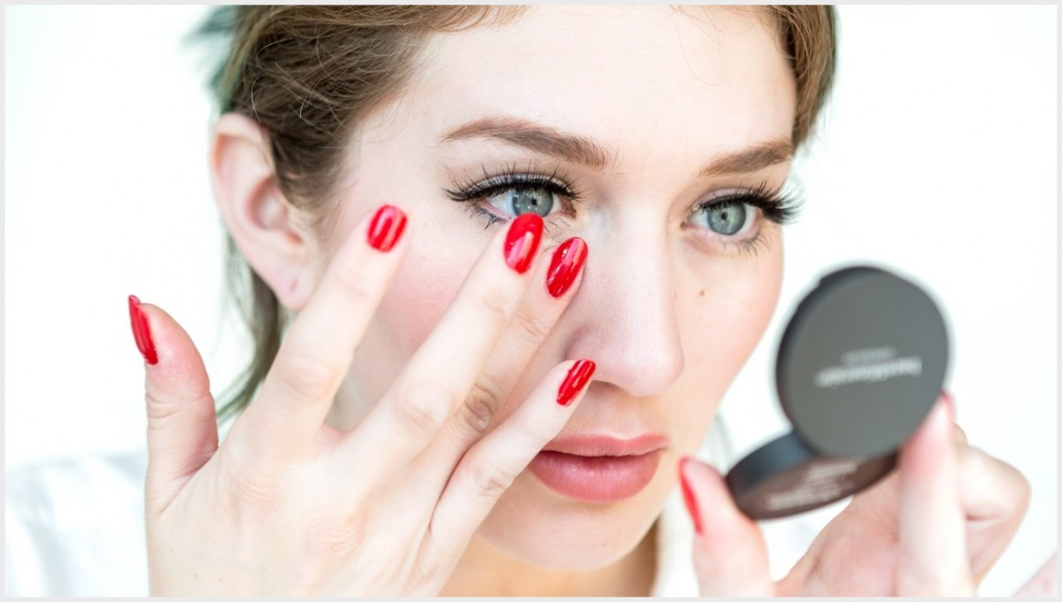how to apply eye makeup How To Apply Eye Makeup Easily? unnamed file 174