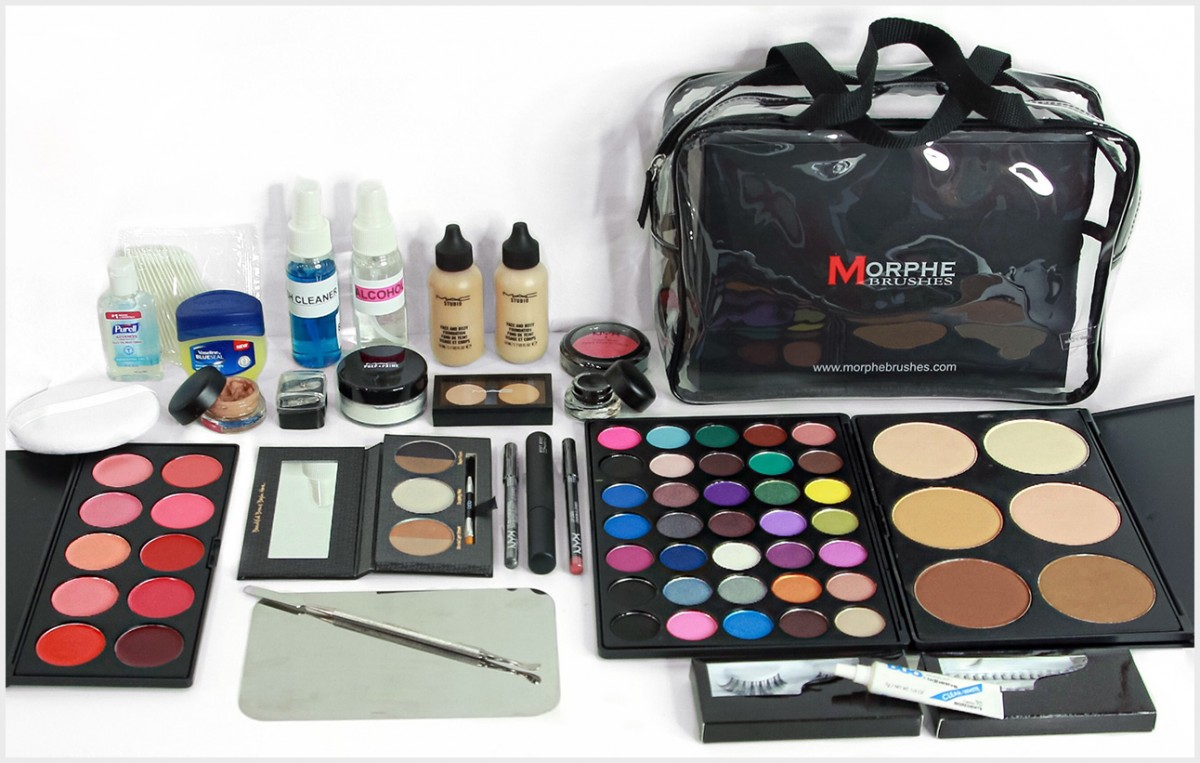 professional makeup kits How To Use Professional Makeup Kits? makeup kit chicstudios nyc school of makeup new york